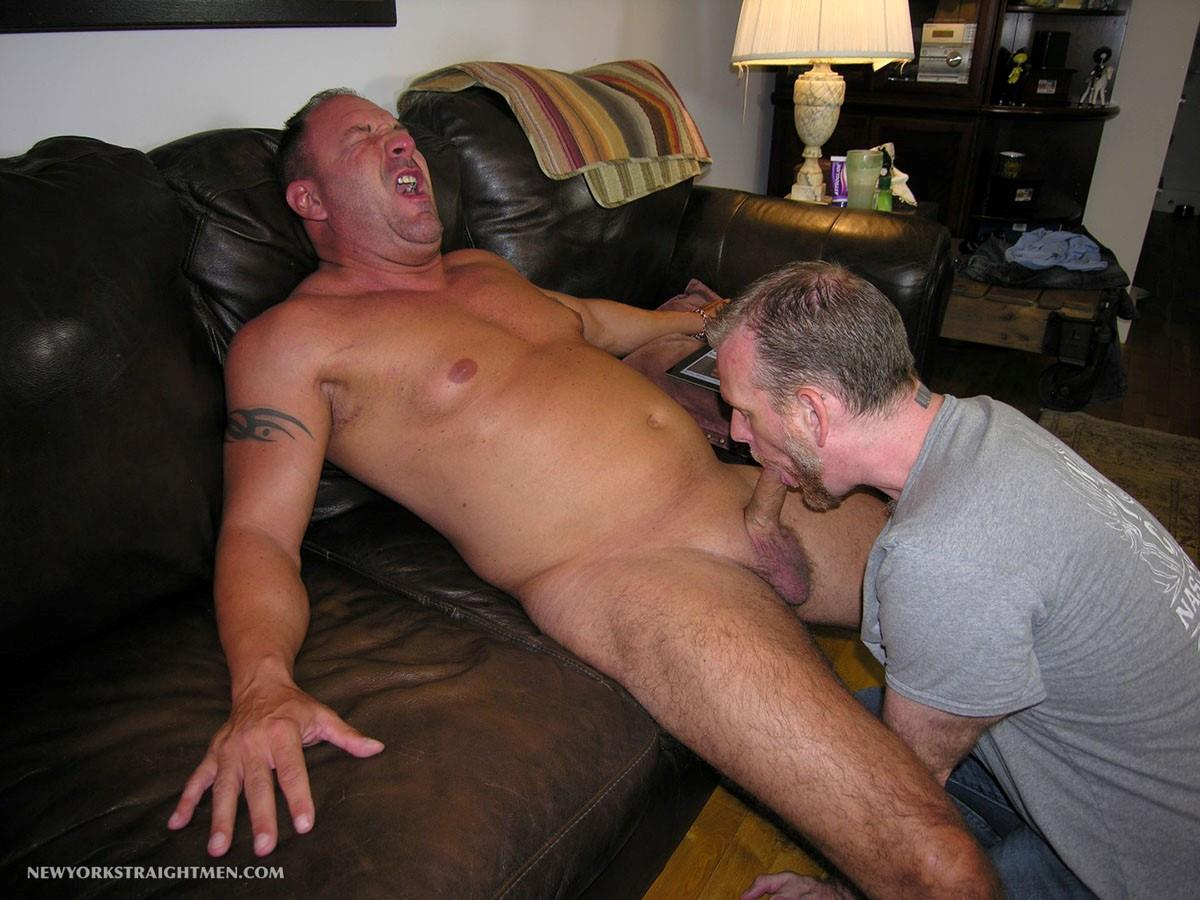 New-York-Stright-Men-Rocco-Straight-Muscle-Daddy-Gets-His-Cock-Sucked-Amateur-Gay-Porn-10 Amateur Straight Muscle Daddy Gets His Cock Sucked By A Guy