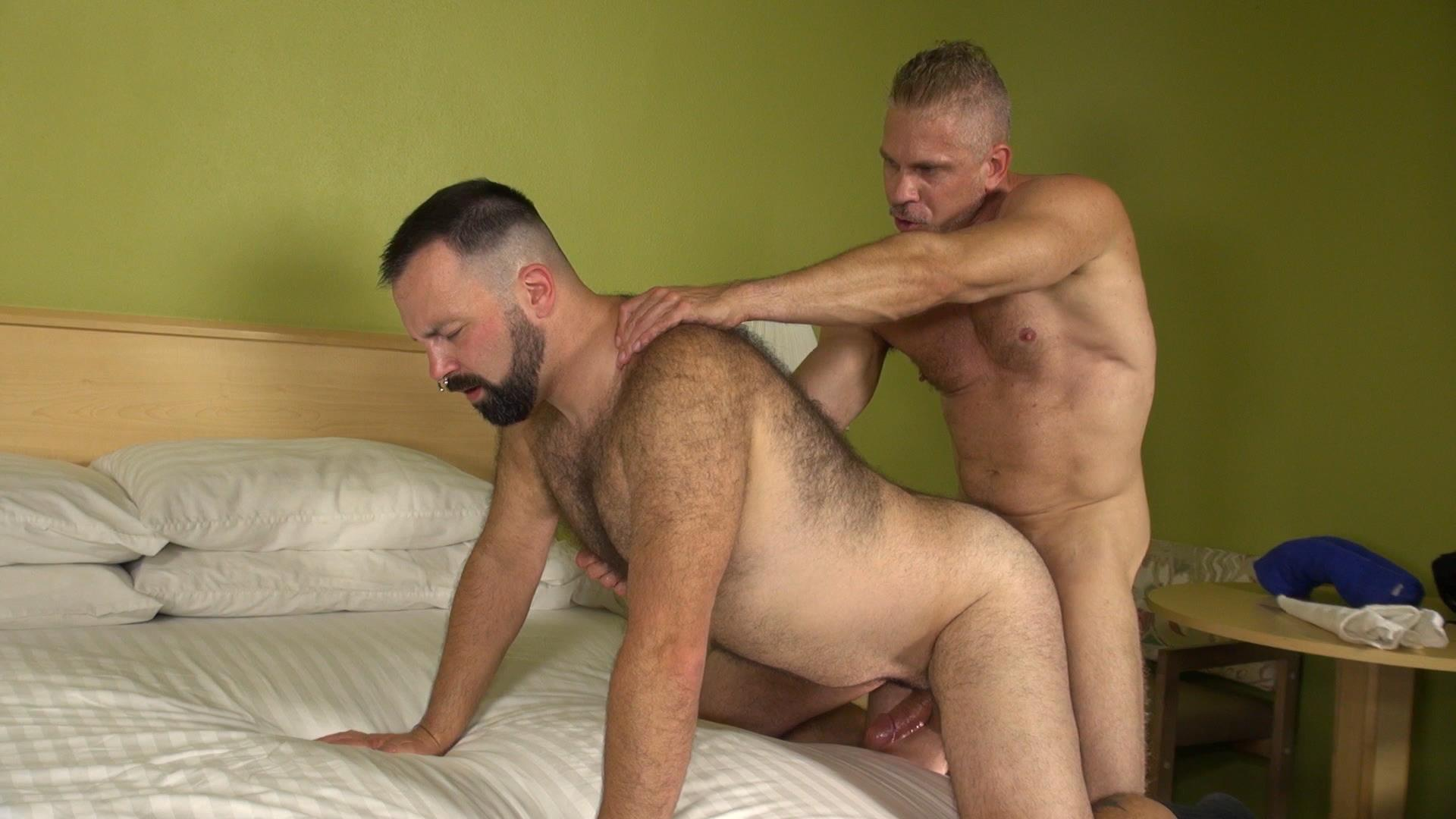 Raw-and-Rough-Boy-Fillmore-and-Sam-Dixon-Hairy-Muscle-Bears-Fucking-Bareback-Amateur-Gay-Porn-03 Hairy Muscle Bears Barebacking At A Cheap Motel