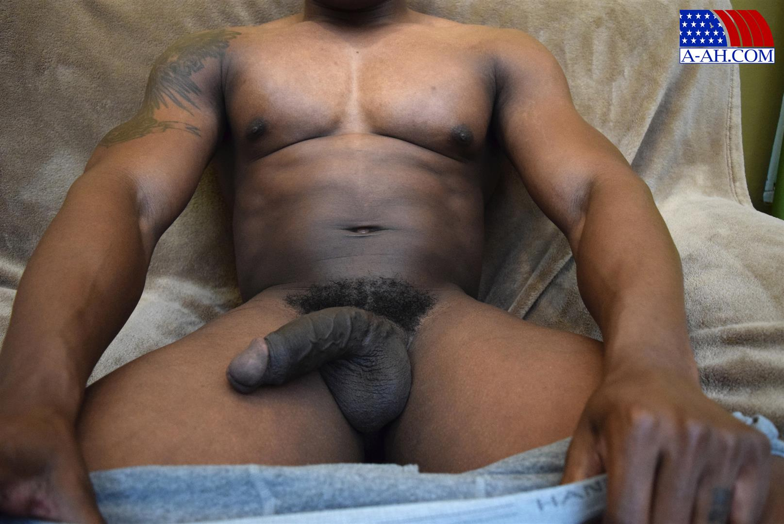 All-American-Heroes-Sean-Muscle-Navy-Petty-Officer-Jerking-Big-Black-Cock-Amateur-Gay-Porn-09 Big Muscular Black Navy Petty Officer Jerking His Big Black Cock