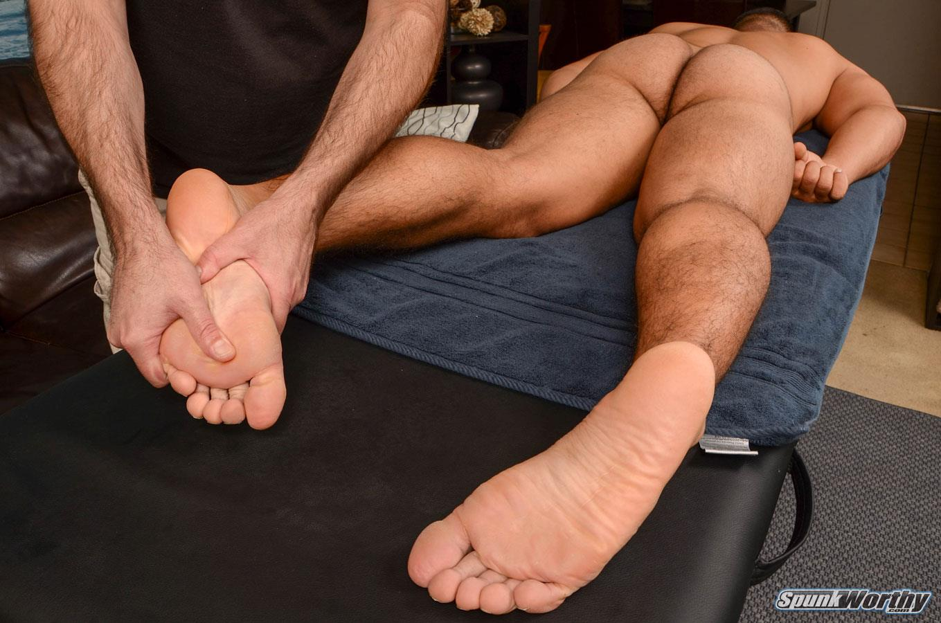 SpunkWorthy-Colt-Beefy-Naked-Marine-Gets-Handjob-From-A-Guy-Amateur-Gay-Porn-08 Straight Beefy US Marine Gets His First Handjob From A Guy
