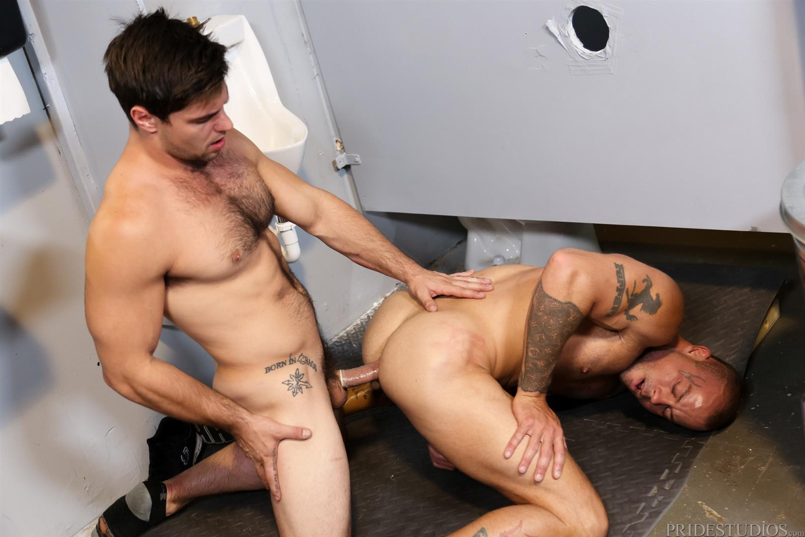 Extra-Big-Dicks-Sean-Duran-Fucking-Through-A-Glory-Hole-Amateur-Gay-Porn-13 Getting Fucked By A Big Fat Cock Through a Glory Hole