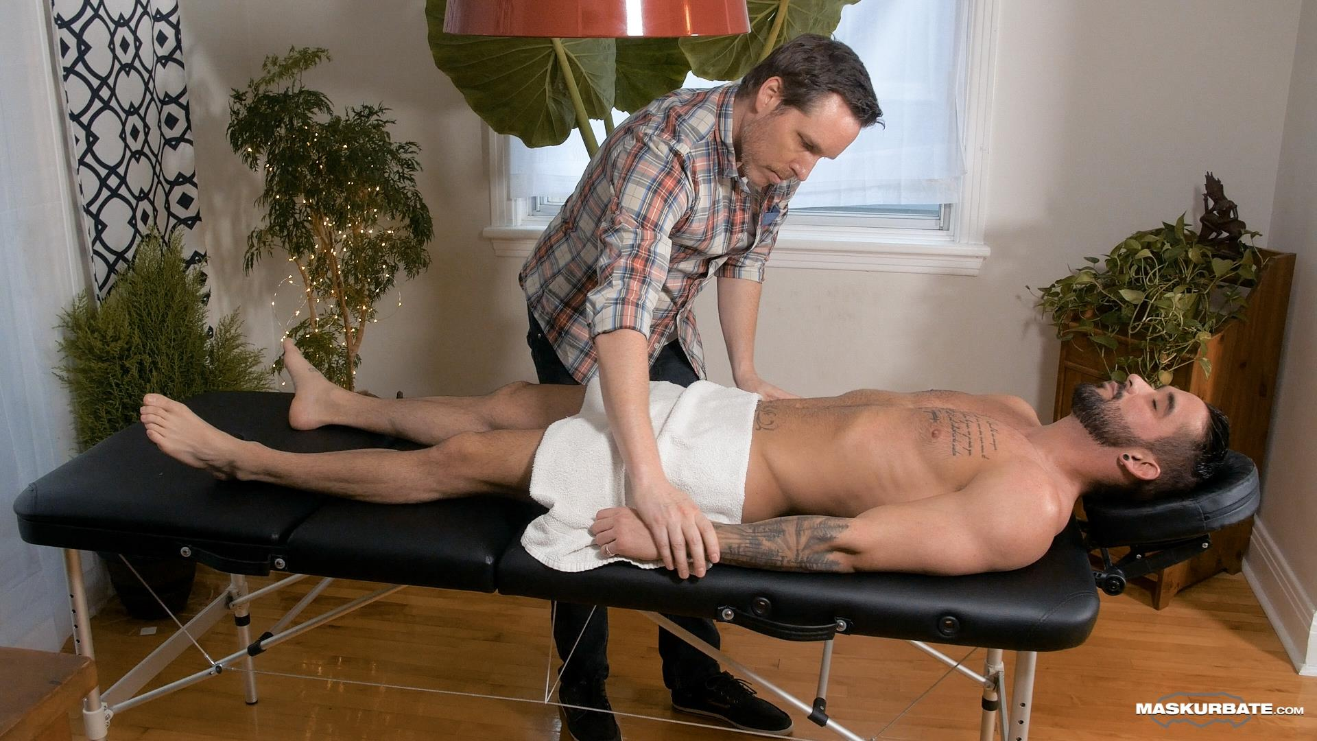 Maskurbate-Zack-Lemec-Gay-Massage-With-Happy-Ending-04 Zack Lemec Get's His First Gay Massage With A Happy Ending